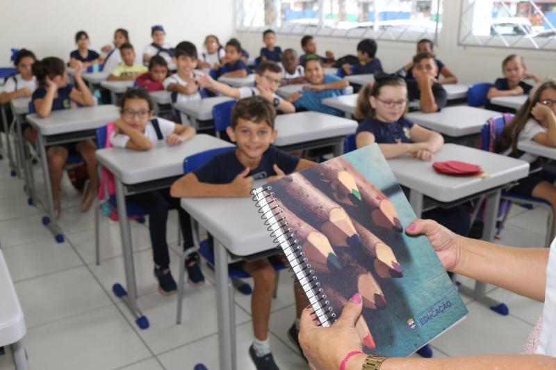 Mais de 200 professores ACTs terão seus vínculos renovados com o município