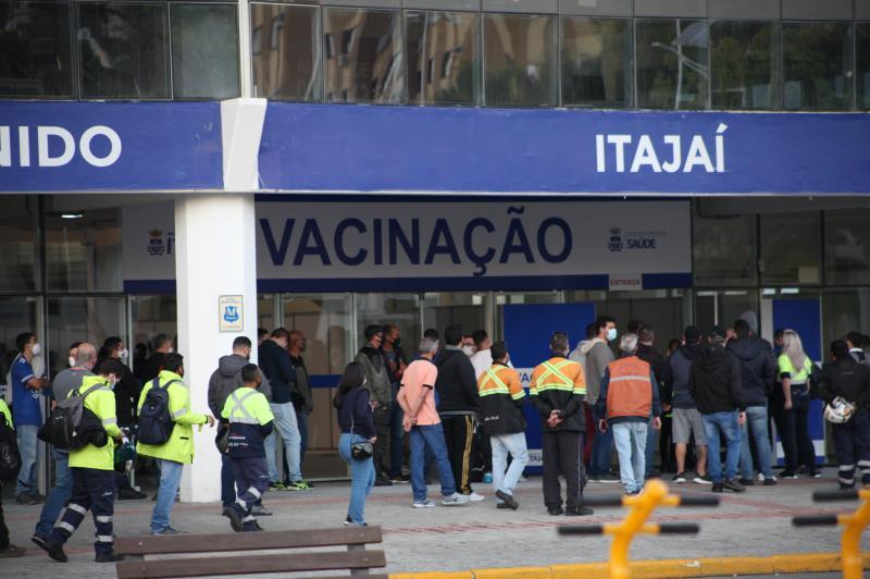 Sábado terá vacinação contra Covid-19 no Centreventos de Itajaí