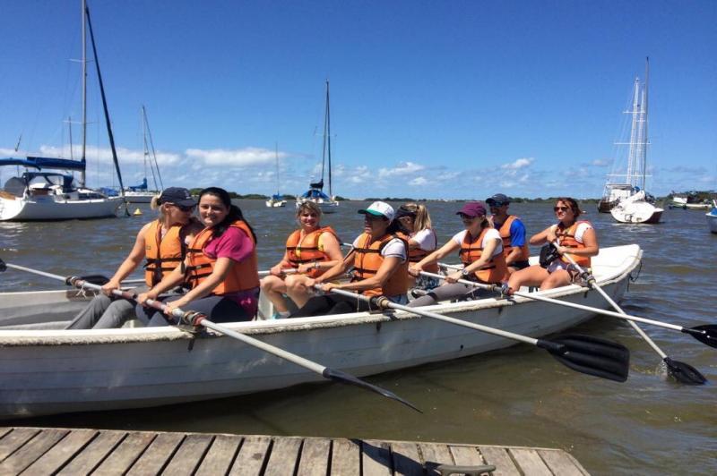 Projeto de Qualidade de Vida leva professores da Rede Municipal de Ensino a praticarem remo