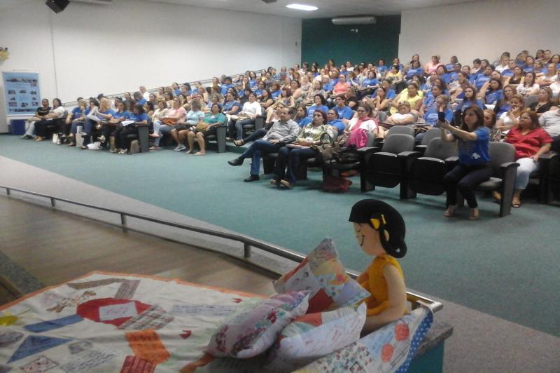 Semin�rio do PNAIC re�ne educadores da Rede Municipal de Ensino