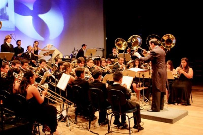 Banda Filarm�nica promove concerto na Escola B�sica An�bal C�sar