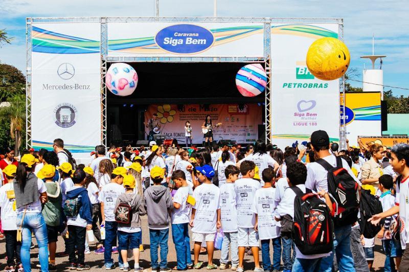 Caravana Siga Bem estaciona em Itaja� com atra��es, palestras e testes de sa�de