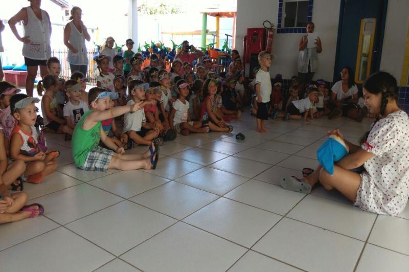 Em forma de teatro, CEI Ana da Silva Fontes promove ação de combate à dengue
