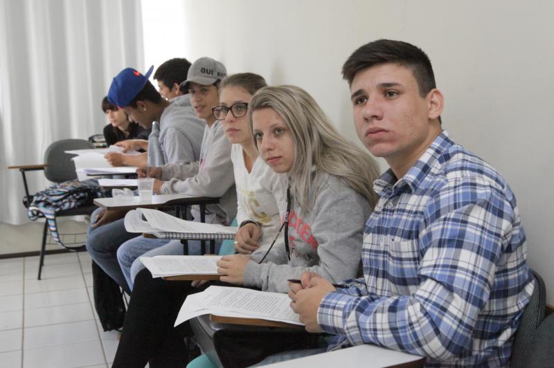 Jovens tem oportunidade de emprego e estudo com a Lei da Aprendizagem