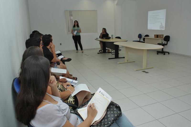 Balcão de Empregos oferece palestra sobre elaboração de currículos