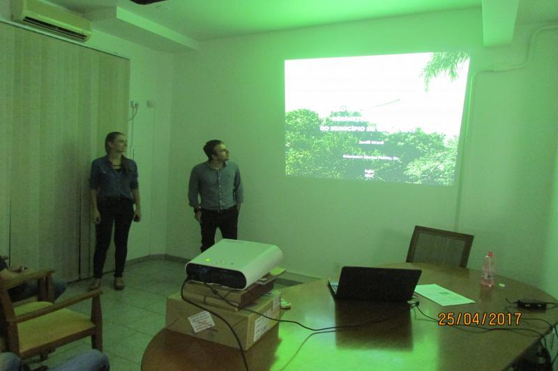 FAMAI recebe apresentação de trabalho sobre áreas verdes no município