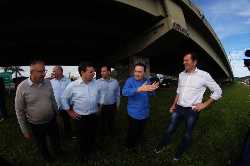 Município de Itajaí e governo do estado acompanham obras em parceria
