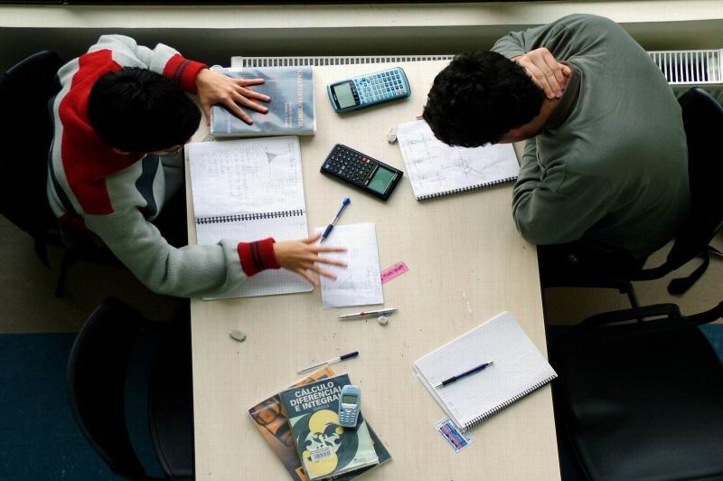 Iniciam as inscrições para Auxílio aos Estudantes Universitários