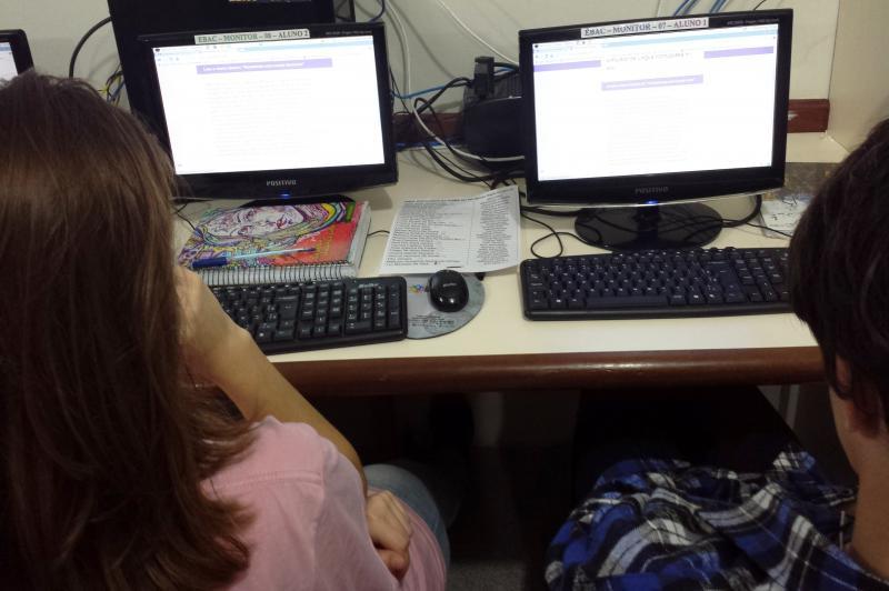 Estudantes da Escola Aníbal César fazem simulado da Prova Brasil