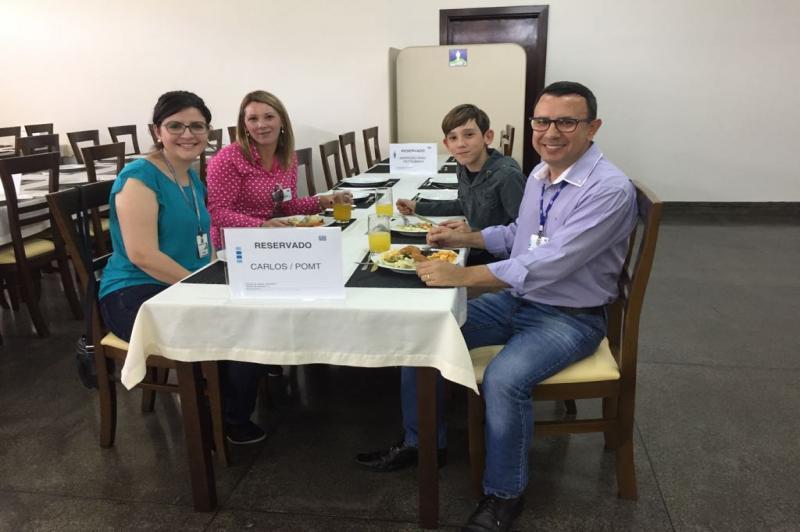 Estudante visita multinacional catarinense