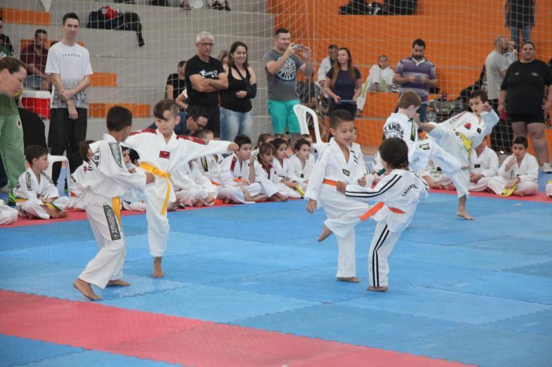 Mega Open Internacional Taekwondo Championship reúne mais de 700 atletas em Itajaí