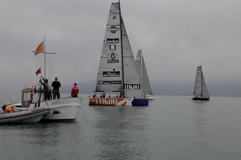 Itajaí Sailing Team garante o troféu da Regata Porto Belo 185 anos