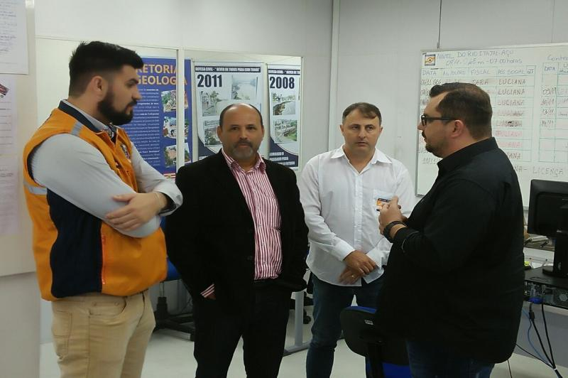 Defesa Civil de Itajaí realiza visita técnica em Blumenau