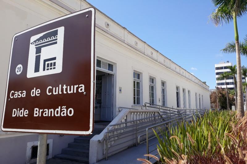 Município entra no clima do 14º Salão Nacional de Artes de Itajaí