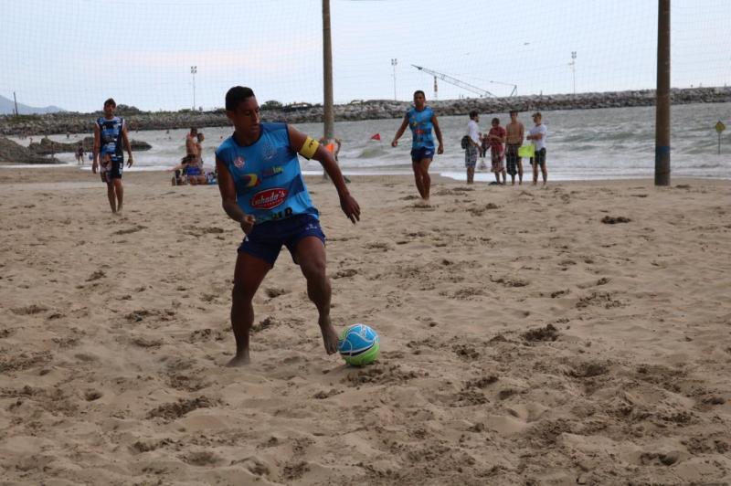 d436cc6aaa Terceira rodada do Beach Soccer tem goleadas e disputa de pênaltis ...