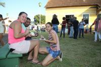 Cortes de bolo de aniversário reúnem comunidades do Bambuzal e da Itaipava