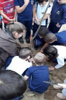 Instituto Cidade Sustentável promove palestra de reciclagem e plantio de árvores