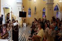 Noite dos Candelabros emociona público e lota Igrejinha Velha