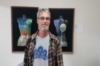 Exposição traz obras criadas a partir de materiais considerados lixo