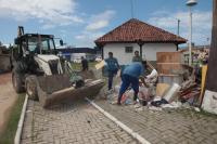 Quase 100 jovens participam de mutirão da Semana Itajaí Mais Limpa