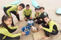 Projeto Surf Comunitário realiza mutirão na Semana Itajaí Mais Limpa