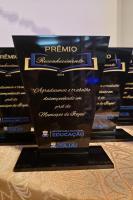 Educação realiza prêmio inédito de reconhecimento a profissionais aposentados