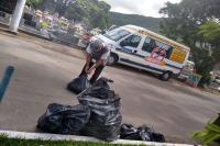 Agentes de endemias realizam mutirão no Cemitério da Fazenda