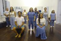 Encerramento de curso de teatro apresenta peça gratuita