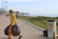 Praias de Itajaí têm coleta diária de lixo orgânico