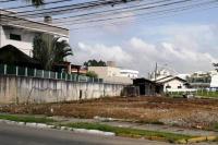 Local utilizado por usuários de drogas e moradores de rua é demolido