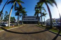 Prefeitura e secretarias municipais terão plantão para atender ao público presencialmente
