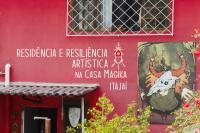 Projeto evidencia processos criativos dos residentes da Casa Mágika