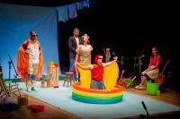 Companhia teatral de Itajaí lança documentário de memórias do grupo