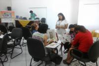 Professores recebem capacita��o sobre t�cnicas com jornal em sala de aula