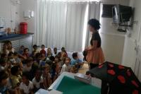 Professora cria personagem para ensinar alunos