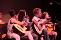 Conservatório de Música oferece curso gratuito de violão para crianças e adolescentes