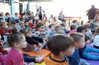 Peça teatral incentiva alunos a cuidarem do meio ambiente