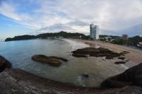 Fim de semana com sol entre nuvens em Itajaí