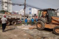Município realiza limpeza emergencial em terreno na Vila Operária