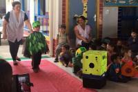 CEI promove desfile de fantasias