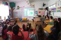 Projeto Famai nos bairros realiza palestras sobre coleta de resíduos