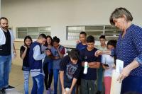 Aberta a Cápsula do Tempo na escola Arnaldo Brandão