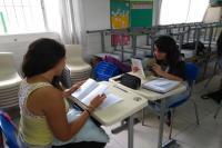 Escritor visita escolas básicas de Itajaí