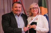 Secretaria de Educação recebeu a Medalha de Ouro Alferes Tiradentes