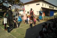 Centro de Educação Infantil confecciona bonecos gigantes