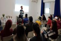 Educação de Jovens e Adultos promove roda de conversa