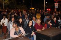 Show com Sandra de Sá encerra o 21° Festival de Música de Itajaí
