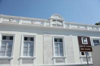 Espetáculo conta história de Itajaí nas janelas da Casa da Cultura
