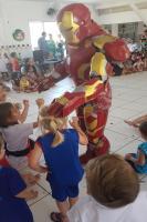 Super-heróis participam de festa natalina no CEI Valdemir de Souza