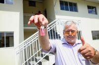 Famílias recebem as chaves do Residencial São Francisco de Assis